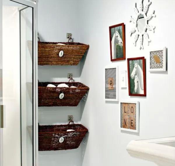 استغلال المساحات الصغيرة فى الحمام لترتيب المنزل