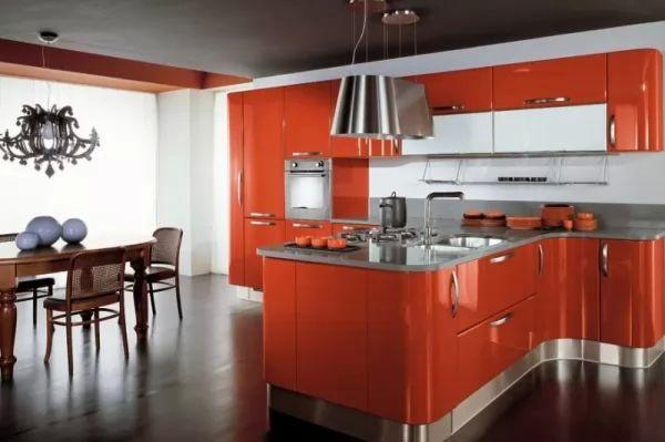 من الوان المطابخ الدافئة اللون البرتقالى