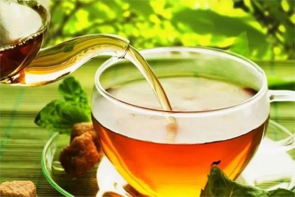 نسبة الكافيين في الشاي الاخضر