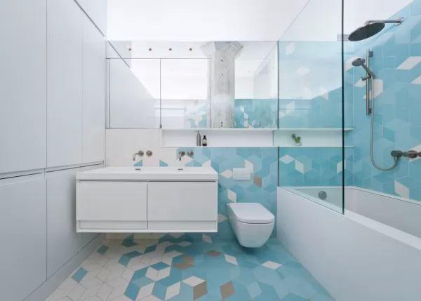 بلاط الحمامات المودرن باللون الازرق السماوى
