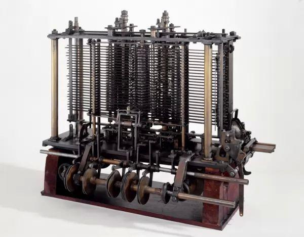 اختراع الكمبيوتر Computer-invention_10212_1_1515866021