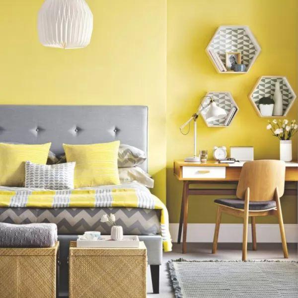 اللون الاصفر من الوان غرف النوم الانيقة