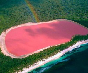 10 من أجمل البحيرات الملونة في العالم