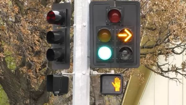 تعرف على مخترع إشارات المرور وكيف تتطورت عبر السنين Traffic-light-invention_10402_3_1522955168