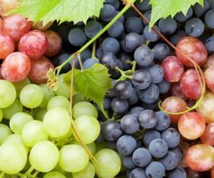 13 من فوائد العنب الصحية المدهشة