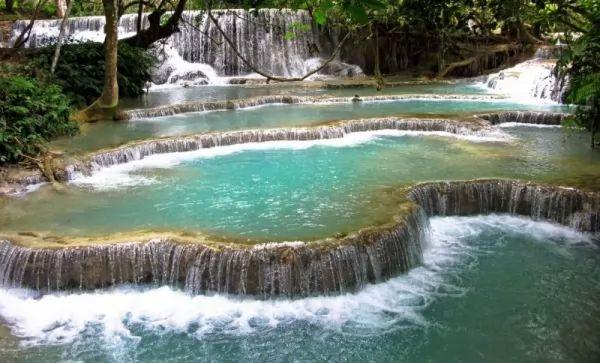 أجمل الينابيع الساخنة في العالم بالصور Hot-springs_11013_12_1551366960