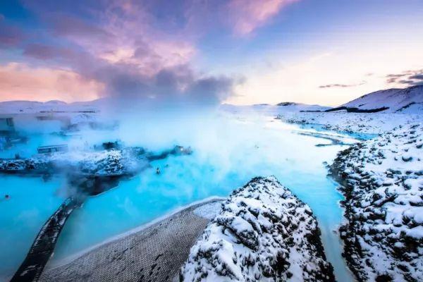 أجمل الينابيع الساخنة في العالم بالصور Hot-springs_11013_3_1551366950