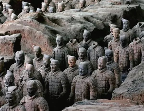 تاريخ أسرة تشين أصحاب أول إمبراطورية في الصين