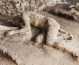 تاريخ مدينة بومبي منذ كارثة دفنها وحتى اكتشافها