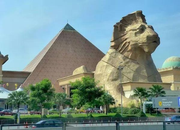 صنواي بيراميد مول Great-modern-pyramids_11246_7_1564820915