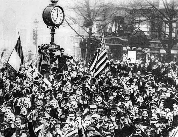 لماذا انتهت الحرب العالمية الأولى بهدنة بدلاً من الإستسلام ؟