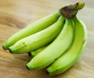 الموز الأخضر ببساطة هو عبارة عن موز أصفر غير ناضج وهو لم يحوِّل الكثير من النشا المقاوم إلى سكريات سهلة الهضم كالموز الأصفر، وهذا عادة ما يجعل الموز ...