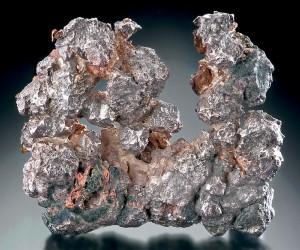 ماذا تعرف عن معدن الفضة ؟