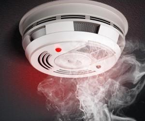 قبل أن نتعرف على جهاز إنذار الحريق علينا أن نعرف أضرار الدخان، لقد سمعنا جميعا عن الأمريكيين الأصليين الذين استخدموا إشارات الدخان لإرسال رسائل بسيطة ...