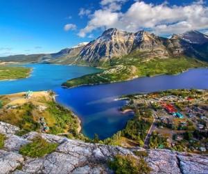 كندا بلد بها أكثر من نصيبها العادل من البحيرات، وفي الواقع، 8 % من مساحة البلاد مغطاة بمسطحات مائية عذبة، وهذه حقيقة تضع كندا في موقع متميز على قائمة ...